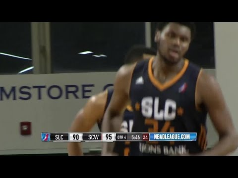 Joel Bolomboy posts 15 points & 11 rebounds vs. the Warriors, 1/13/2017