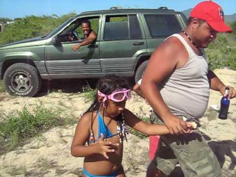 Gran cherokee sacando carros