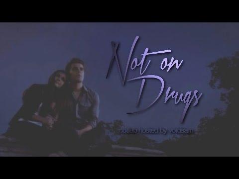 ➤ Multifandom | Not On Drugs [collab]