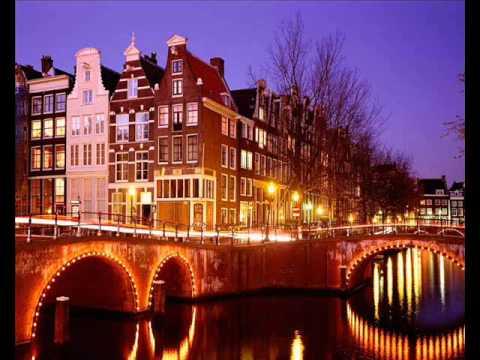 Wim Sonneveld - Aan de amsterdamse grachten (by Richard Esveldt)