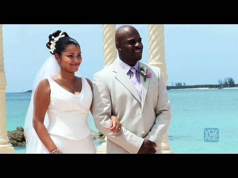 Romantic Bermuda - Coconuts at The Reefs Hotel - Gourmet - On Voyage.tv