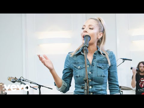 Смотреть клип Mackenzie Porter - About You