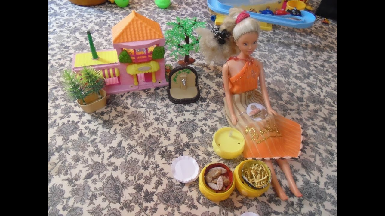 doll stuff - how to make paper plates for your dolls   simple & easy