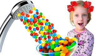 Папа хочет конфеты Ястася приняла Волшебный душ из m&m's