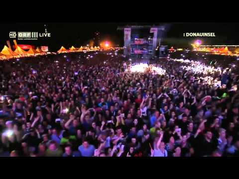 Anastacia - Left Outside Alone Live Donauinselfest Wien 2015 - HD