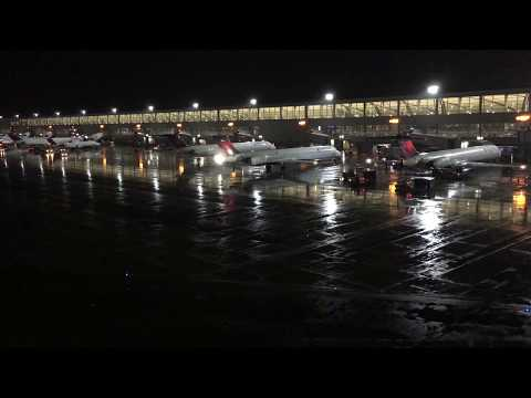 Plane Spotting Detroit Metro Airport (DTW)