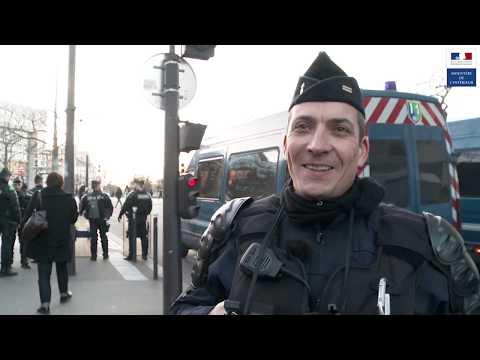 En immersion avec une Compagnie Républicaine de Sécurité lors d'une manifestation à Paris