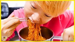 뽀로로 짜장면 장난감 놀이 키즈카페 함께 해요 Pororo Black Noodle
