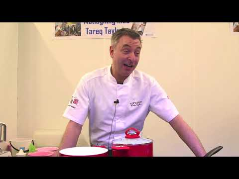 Tareq Taylor avslöjar sin favoritgrönsak under Nyköpings Bomässa