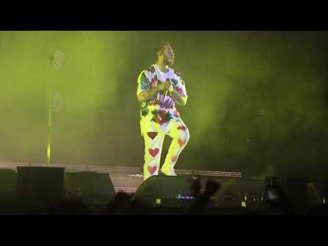 "POST MALONE ""Too Young"" -LIVE- LONGEST INTRO EVER??"