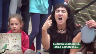 Imanol Urbietaren omenaldian txiki txikia