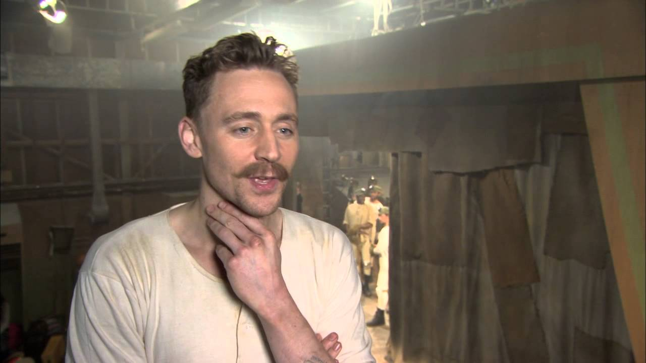 """Muppets Most Wanted: Tom Hiddleston """"The Great Escapo"""" On ..."""