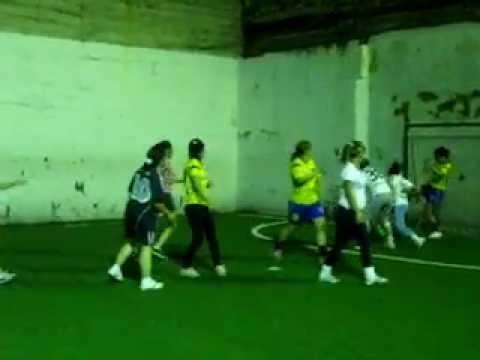 Chicas Avicol Jugando Futbol Youtube