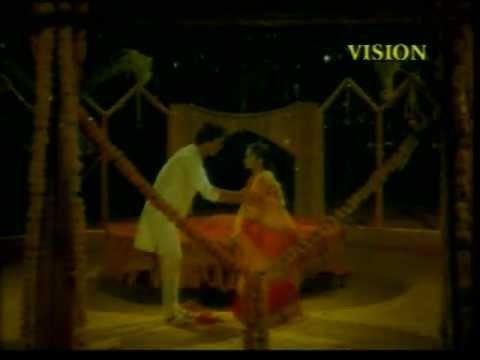 Mohd.Aziz & Anradha-'Janha Aamaku Loochi Dekhuchi..' in Odia Movie 'Maanini'