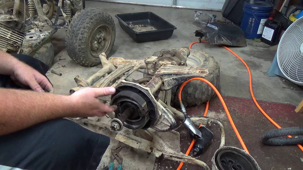 1987 Honda Fourtrax 250 Rear Brakes Differential and A Rant  YouTube