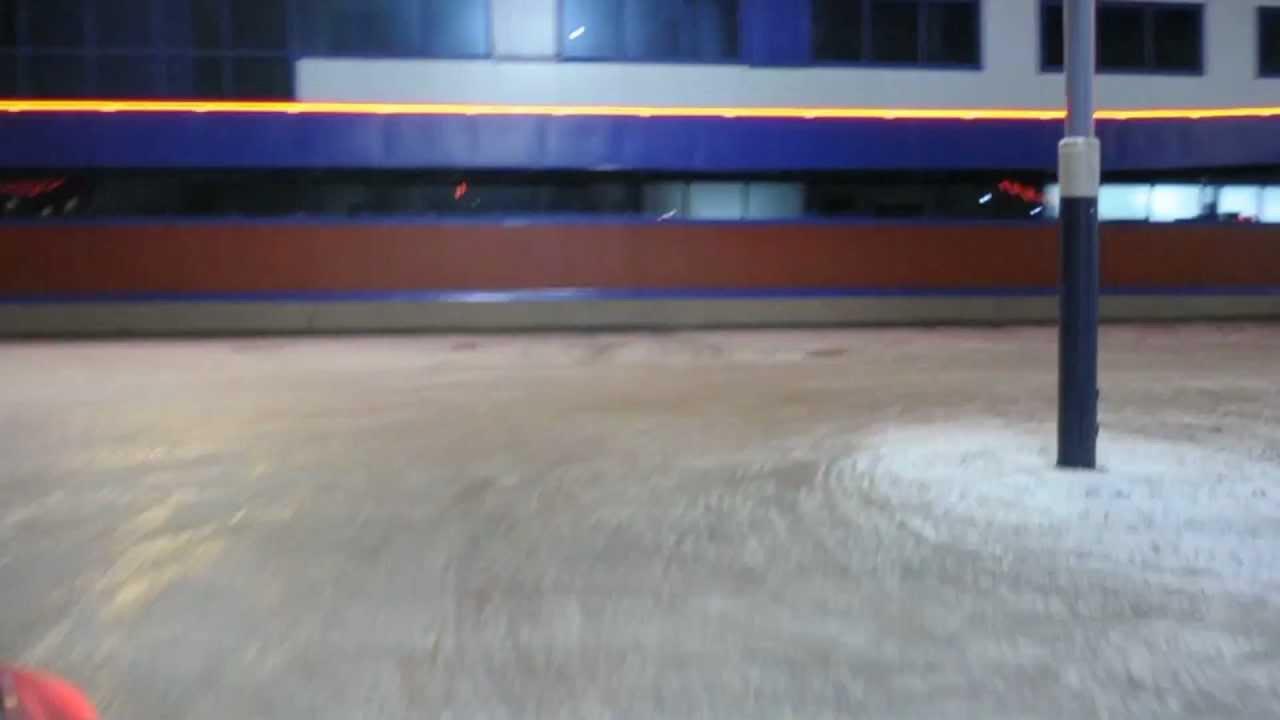 27 окт 2017. Брянских автомобилистов призвали переобуться в зимнюю резину. Из-за снегопада ухудшилась обстановка на дорогах. Напомним, вчера, 26 октября, на брянскую область обрушился снегопад. В связи с этим брянская госавтоинспекция призвала водителей быть предельно внимательными.