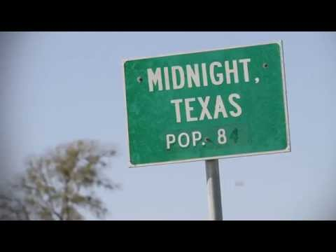 Midnight Crossroad by Charlaine Harris - Book trailer