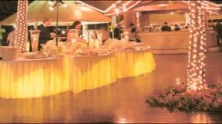 How to Decorate a Wedding With Lights