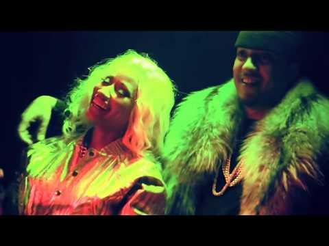 "Niki Minaj Topless in French Montana's Video ""FREAKS"" Official Video Peak"