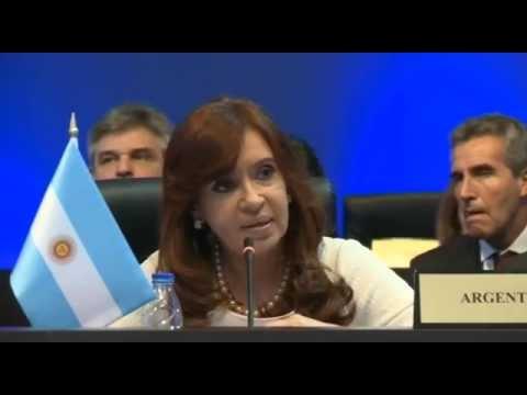 11 de ABR. Cristina Fernández expuso en la Sesión Plenaria. Cumbre de las Américas Panamá 2015.