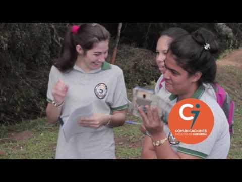 Estudiantes de Escuela Rural en Trabajo de Campo