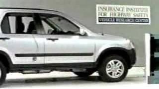 Crash Test  2002- 2006 Honda CR-V (Angle Barrier Test) IIHS