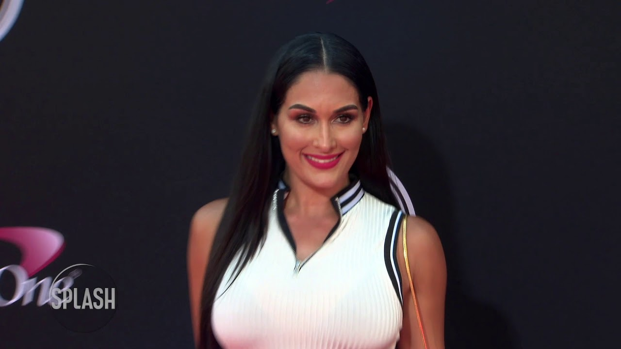 Nikki Bella: I'm still single | Daily Celebrity News | Splash TV
