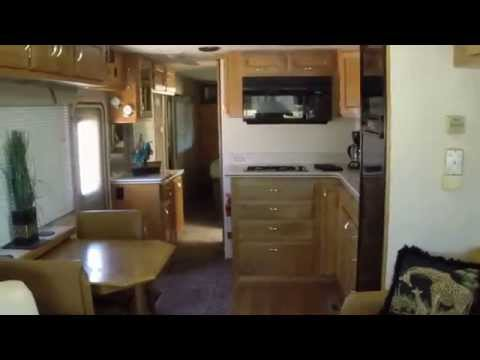 Beautiful 36' Diesel Pusher Safari Sahara 300HP CAT IMMACULATE CONDITION FOR SALE