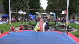 Stabhochsprung-Weltrekord für Maskottchen (Kurzversion 23.08.2014)
