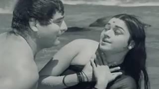 Yeh Kaun Hain Jiske - Asha Bhosle, Mahendra Kapoor