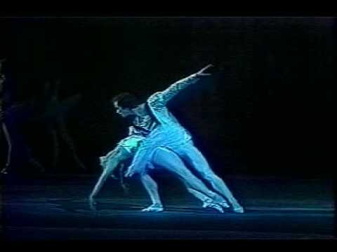 "Maya Plisetskaya as Odette in ""Swan Lake"" - YouTube"