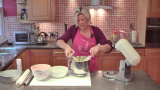 How to make a butter sponge cake - Cake Craft World Video 1