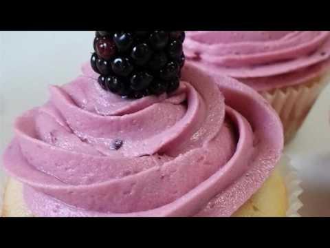 Recipe: Lemon Cupcake with Blackberry Buttercream
