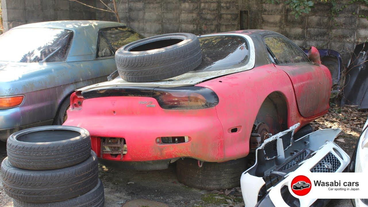 Mazda RX7 & JC (Eunos) Cosmo Junk Yard in Japan - YouTube