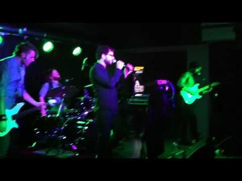 "Plushgun performs ""Just Impolite"" live in Madrid, Spain"
