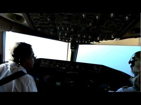 Cockpit - B777 Landing in Martinique