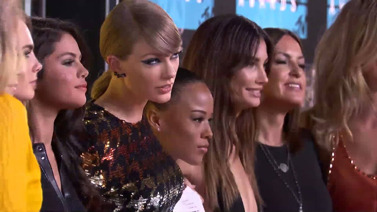 Taylor Swift Vma Red Carpet Interview Lets See Carpet