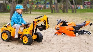 Sportbike stuck in the sand Tema ride on Tractor to help