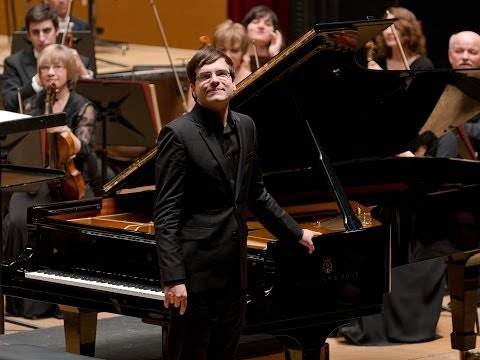 L. v. Beethoven: Concierto para piano nº 1 (Mov. I) - S. Skrowaczewski - F. Piemontesi - OSG