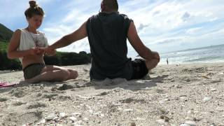 India and Italy meet at Mount Maunganui beach - ASMR head and back massage