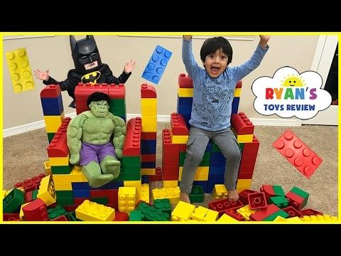 GIANT LEGO BUILDING CHALLENGE FOR KIDS! Lego Batman Superhero IRL ! Family Fun Playtime with toys!