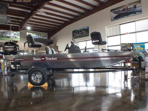 New 2019 Tracker BASSTRACKER Classic Bass Boat at Colman's