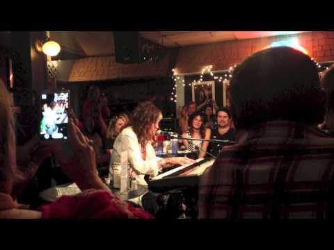 "Steven Tyler - ""Dream On"" - Bluebird Cafe - 9.3.2013"