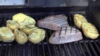 канал вкусного настроения  стейк из тунца на гриле  tuna steak grilling
