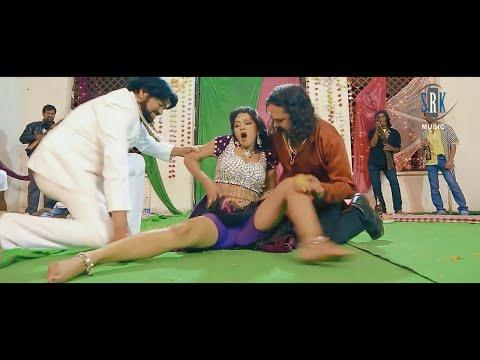 Choli Uthava Tani   Hot Bhojpuri Movie Song   Junior Nirahua Dharti Ke Laal