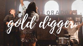 "Gambar cover Kanye West - ""Gold Digger"" (Tyler Ward, Kolby Koloff, Jason LoCricchio & TheNashvilleFamily) Cover"