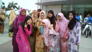 TESL 2 2010/2011 UniSZA . . girls power . .