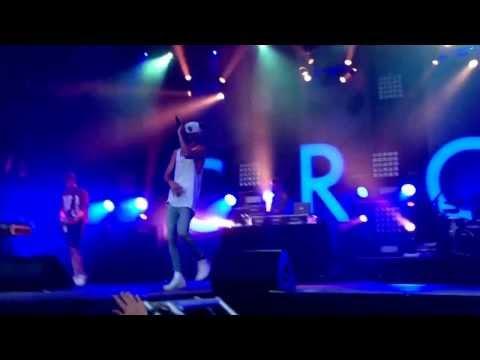 Cro - Open Air Tour 2013 (Berlin-Zitadelle) Intro, Hi Kids [HD]