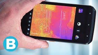 Getest: deze stevige smartphone kan ruiken, voelen en meten