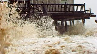 Outer Banks NC Cameraman Almost Drowns !!